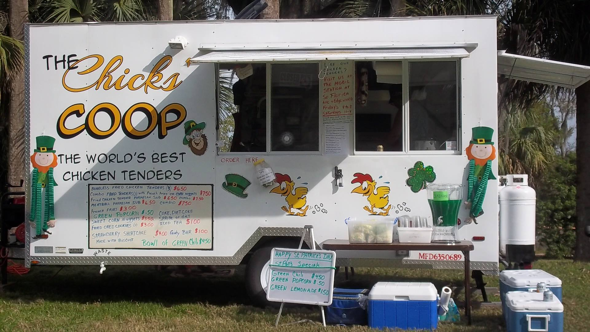 The Chicks' Coop Food Truck