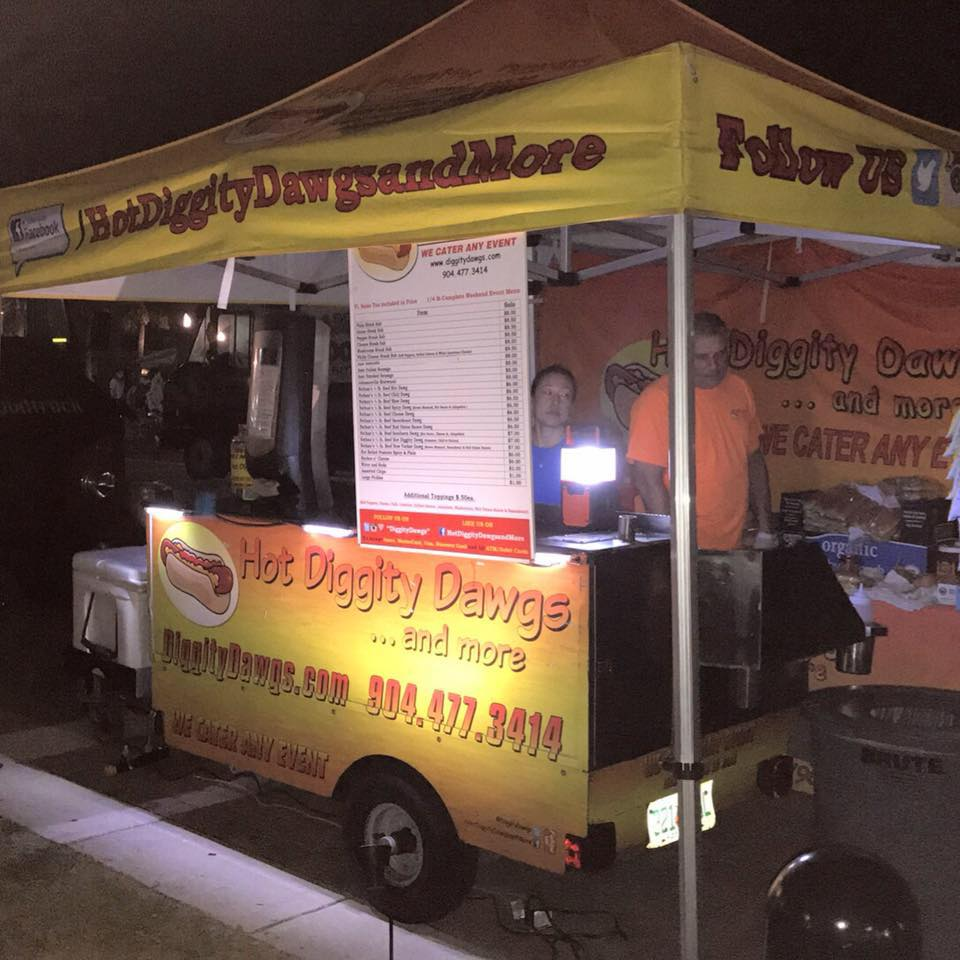 Hot Diggity Dawgs and More Food Truck