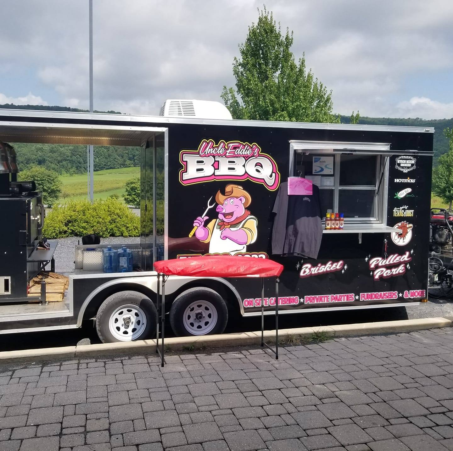 Uncle Eddie's Bar-B-Q Food Truck