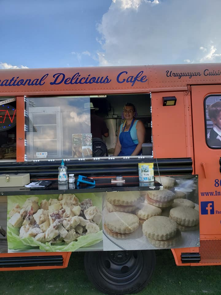 International Delicious Cafe Food Truck