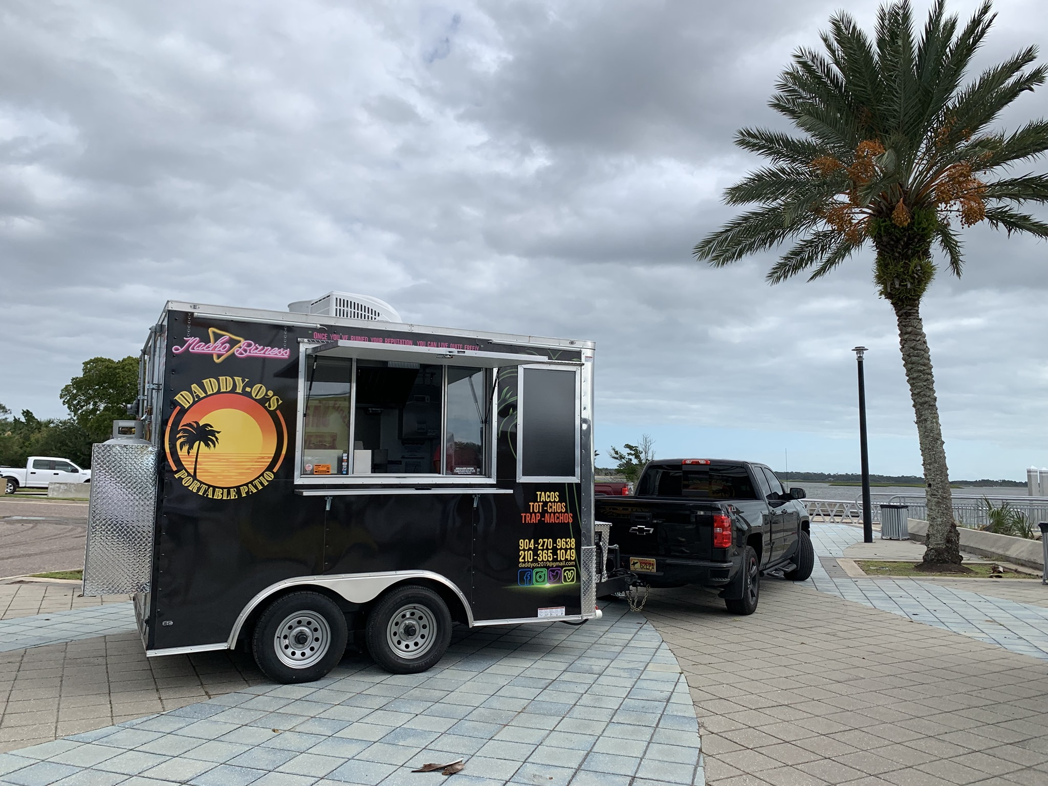Daddy-O's Portable Patio Food Truck